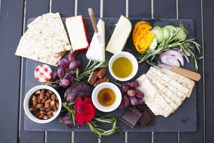 Summer Spread - How to put together a cheese plate